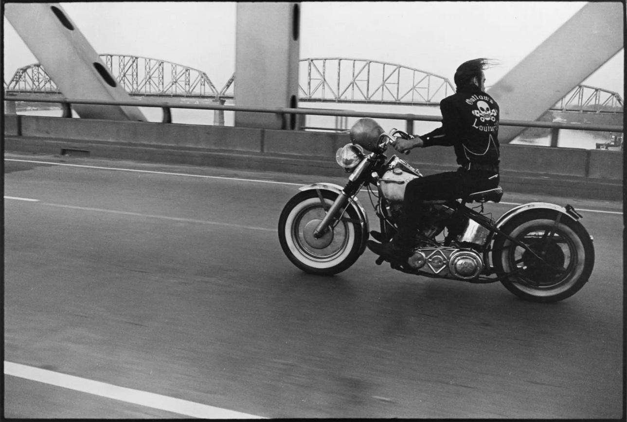 Danny Lyon Crossing the Ohio, Louisville, The Bikeriders Portfolio, 1966