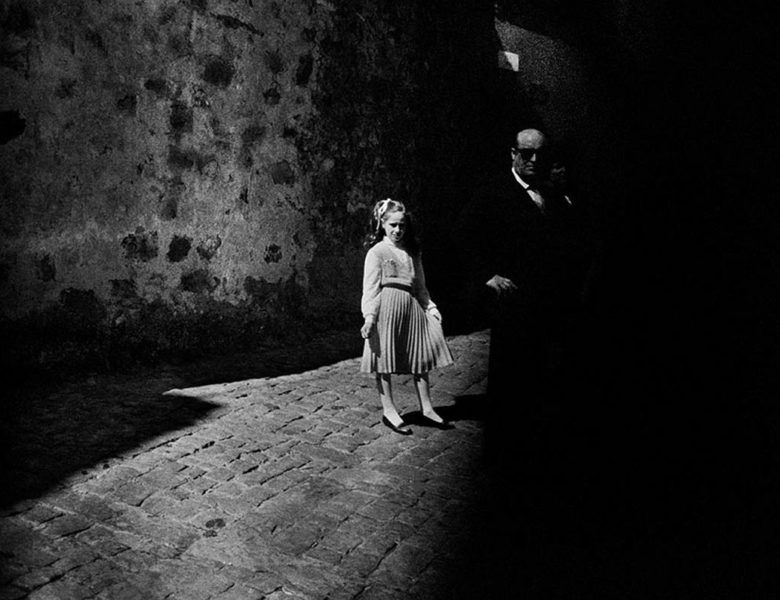 MONOVISIONS | Online Black & White Photography Magazine