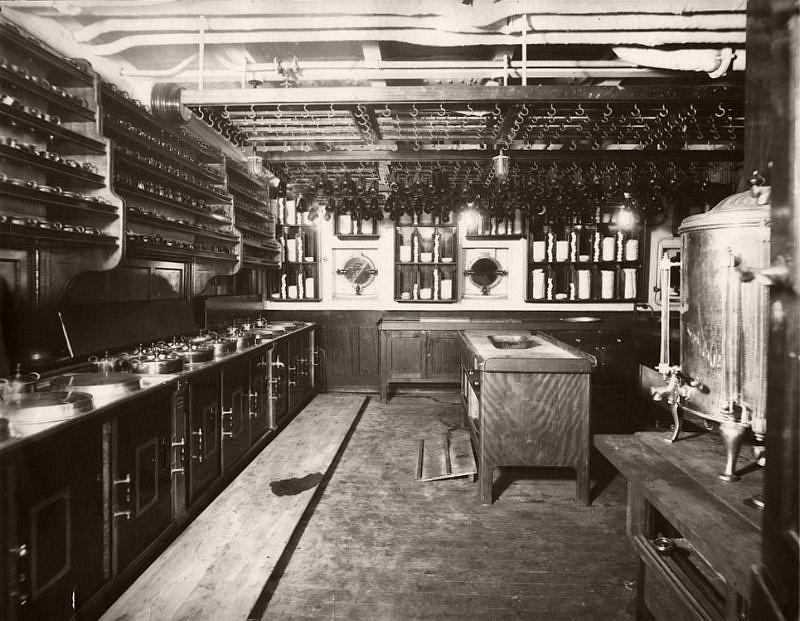 Mauretania kitchen, circa 1906