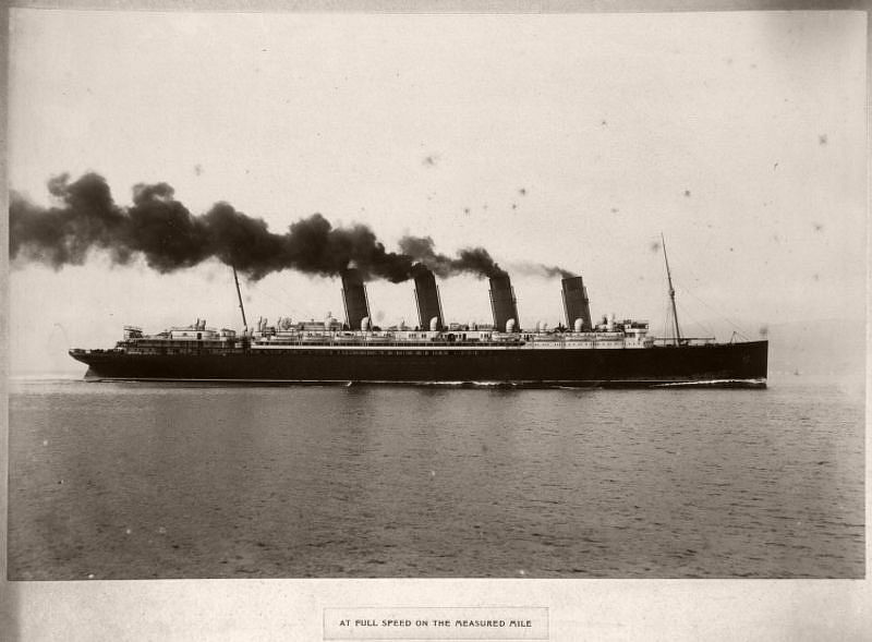 At full speed on the measured mile, circa 1906