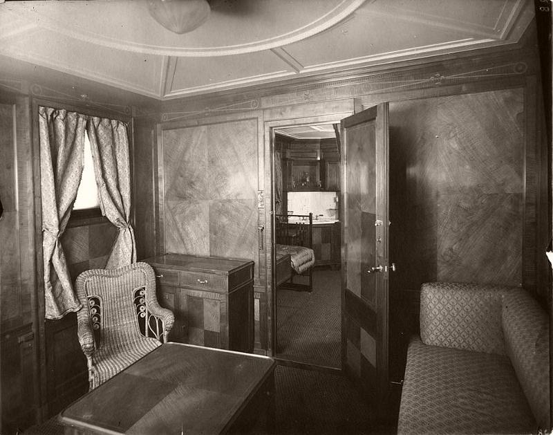Parlour suite. B deck, circa 1906