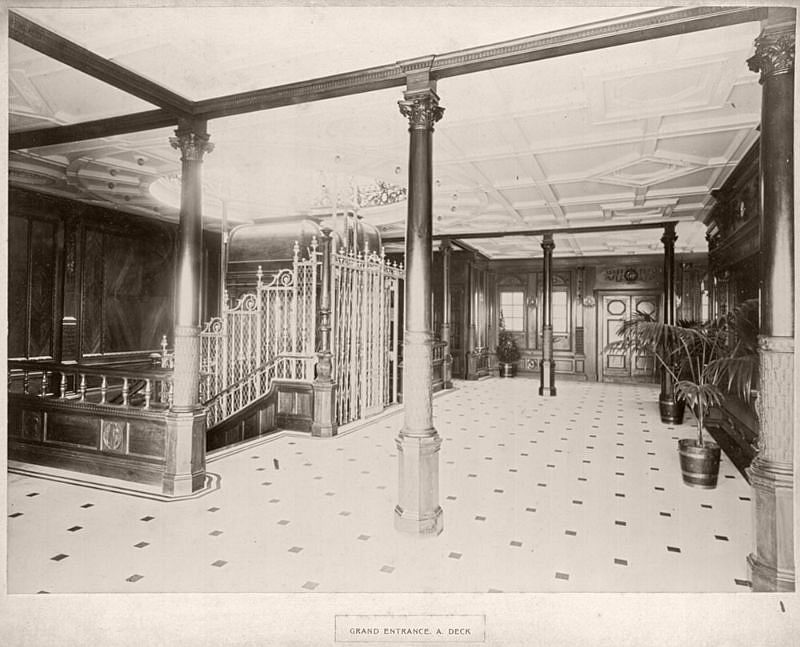 Grand entrance. A. deck, 1906