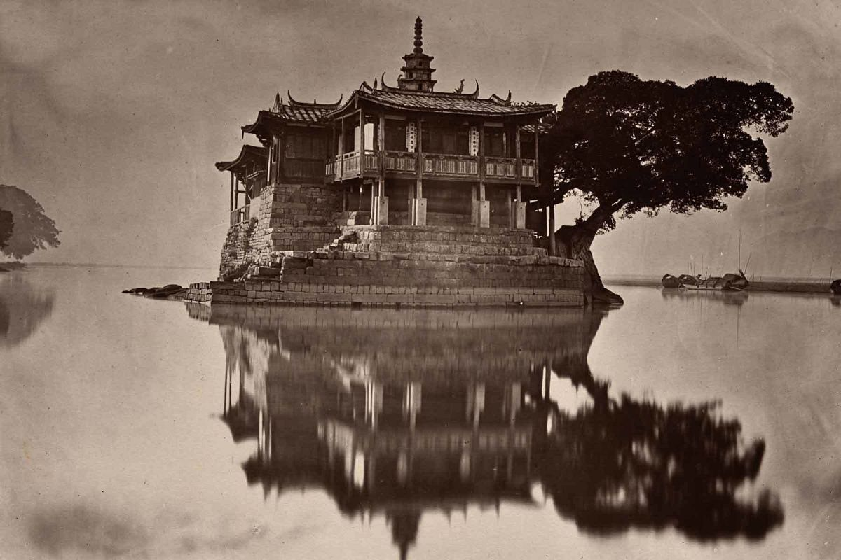 John Thomson, The Island Pagoda, 1873. Carbon print. Gift of the Estate of Mrs. Anthony Rives. © Peabody Essex Museum. Photography by Ken Sawyer.