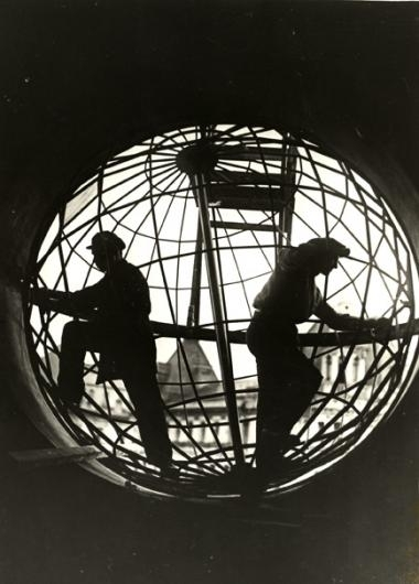 Arkady Shaikhet (1898-1959)  Construction of the Globe at the Moscow Telegraph, 1928