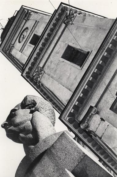 Boris Ignatovich  Monument to Ferdinand Lassalle, Leningrad, 1930