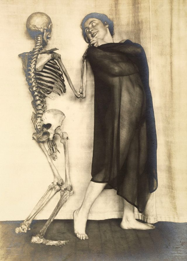Lady Dancing With Skeleton by Franz Fiedler (1923)