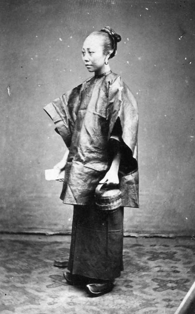 Portrait of a Chinese lady in Saigon, 1880