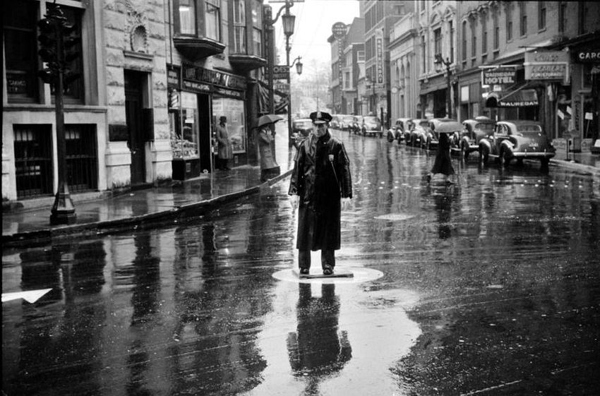 Connecticut. Traffic Cop. Norwich on a rainy day, November 1940
