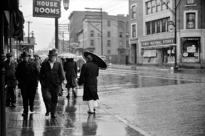 Connecticut. House Rooms. Norwich on a rainy day, November 1940