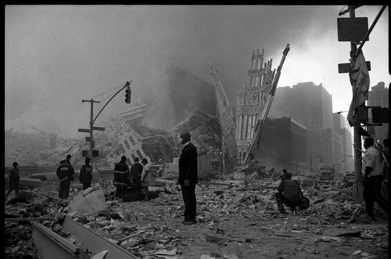 Larry Towell b. 1953 World Trade Center, New York City, Sept. 11, 2001