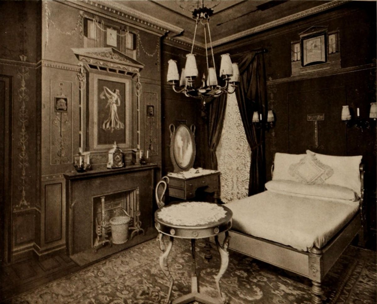 Greek Bedroom – The Waldorf