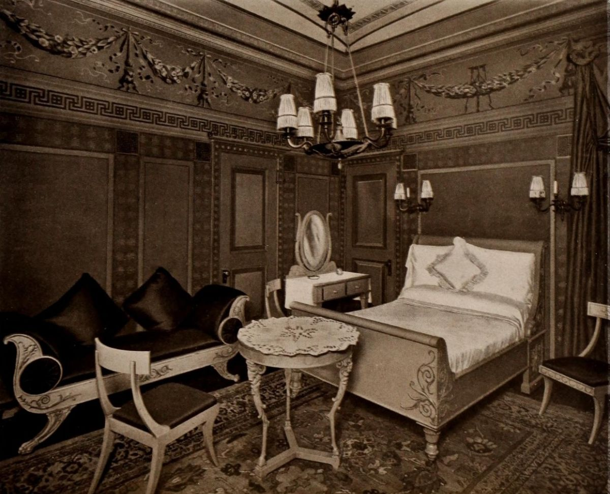 Pompeiian Bedroom – The Waldorf