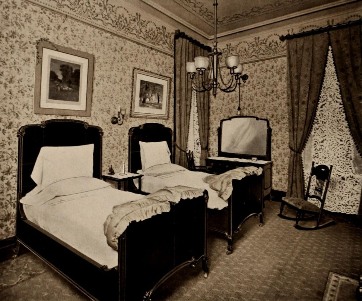 Double Bedroom – The Waldorf