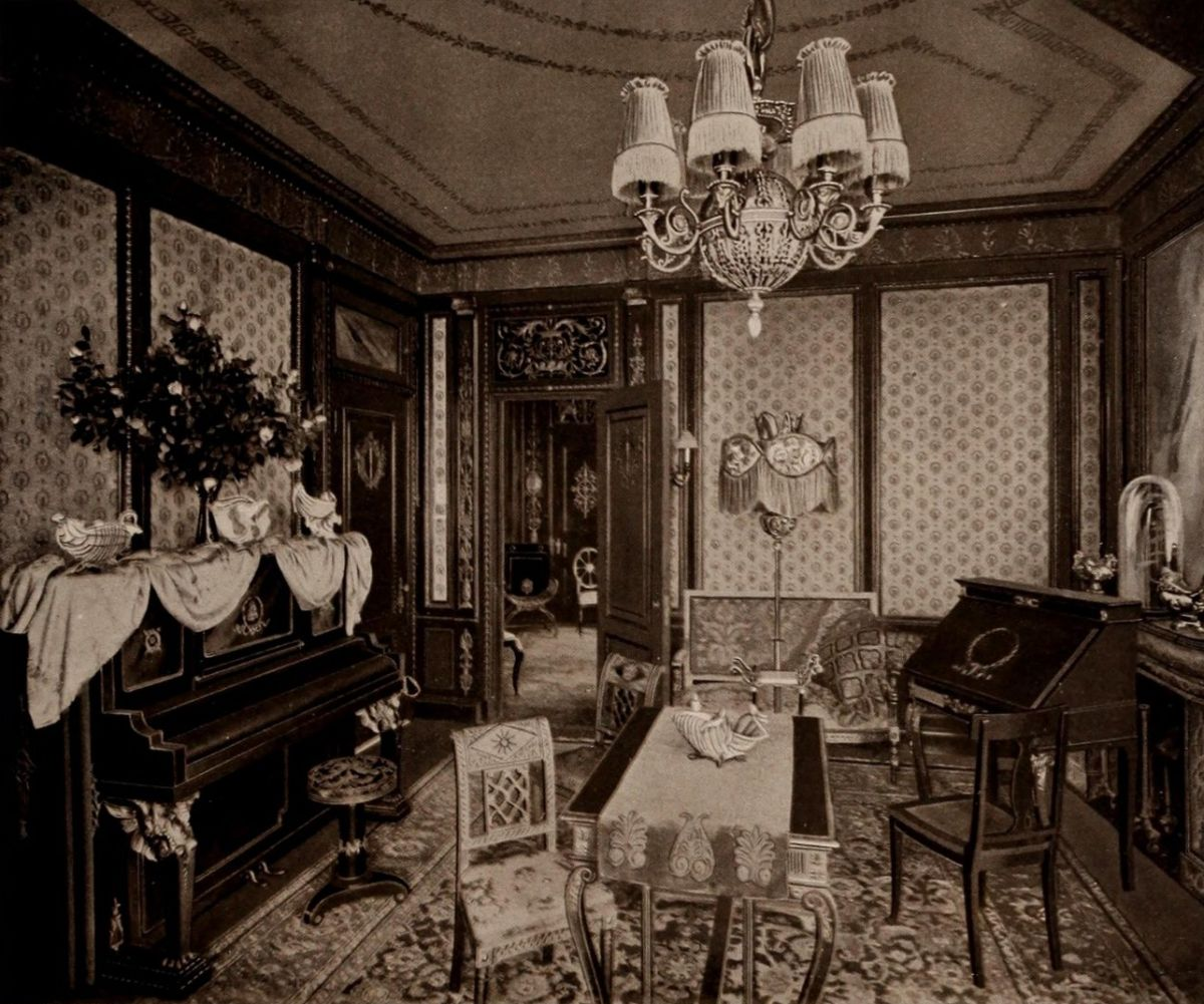Empire Suite – Drawing Room – The Waldorf