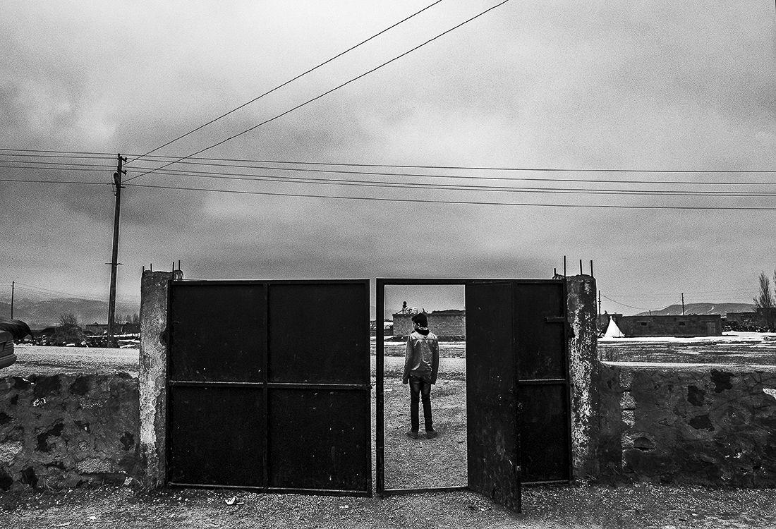 © Murat Yazar: Shadows of Kurdistan / MonoVisions Photography Awards 2019 winner