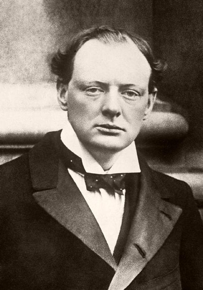 Churchill in 1904.