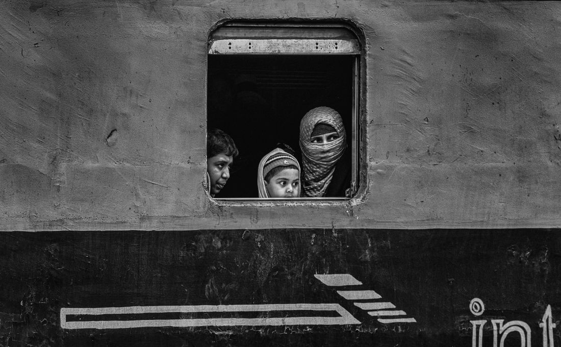 © Veselin Atanasov: The busy train station / MonoVisions Photography Awards 2019 winner
