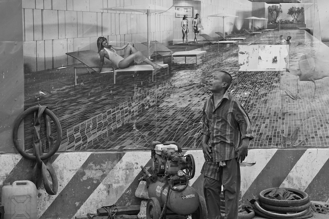 © Vincent de WILDE d'ESTMAEL: Ads and Street Art in Phnom Penh, Cambodia / MonoVisions Photography Awards 2019 winner