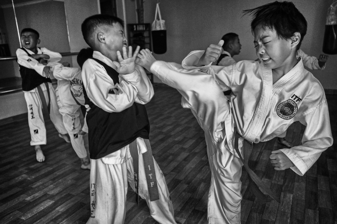 © Alain Schroeder: Taekwondo North Korea Style / MonoVisions Photography Awards 2019 winner