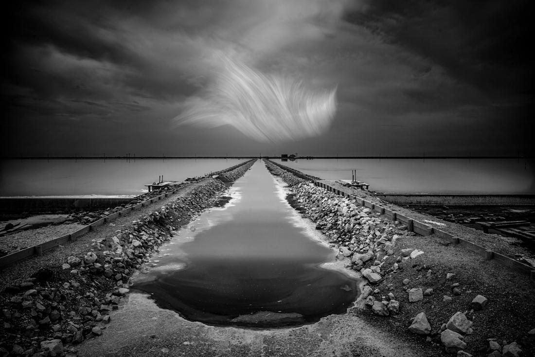 © Patrick Desgraupes: Unveiled Memories / MonoVisions Photography Awards 2019 winner