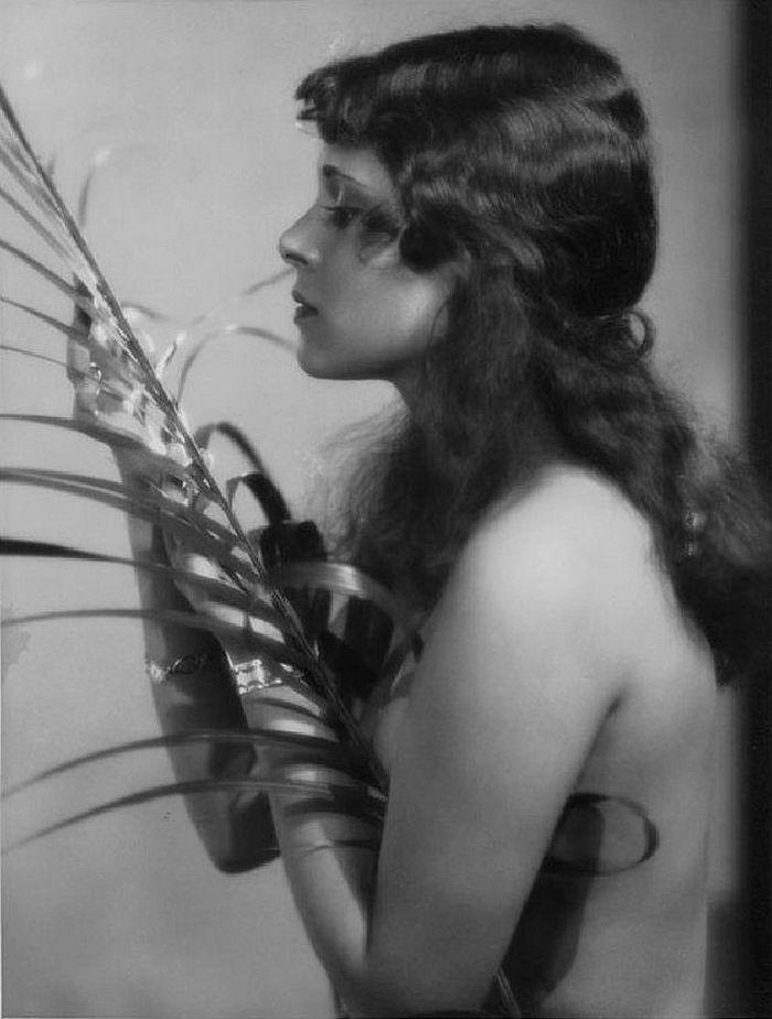 Dorothy Janis, 1929