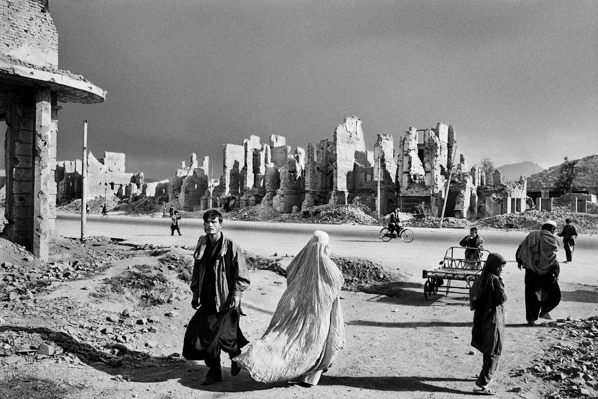 Kabul, Afghanistan. 1996 © Sebastião Salgado