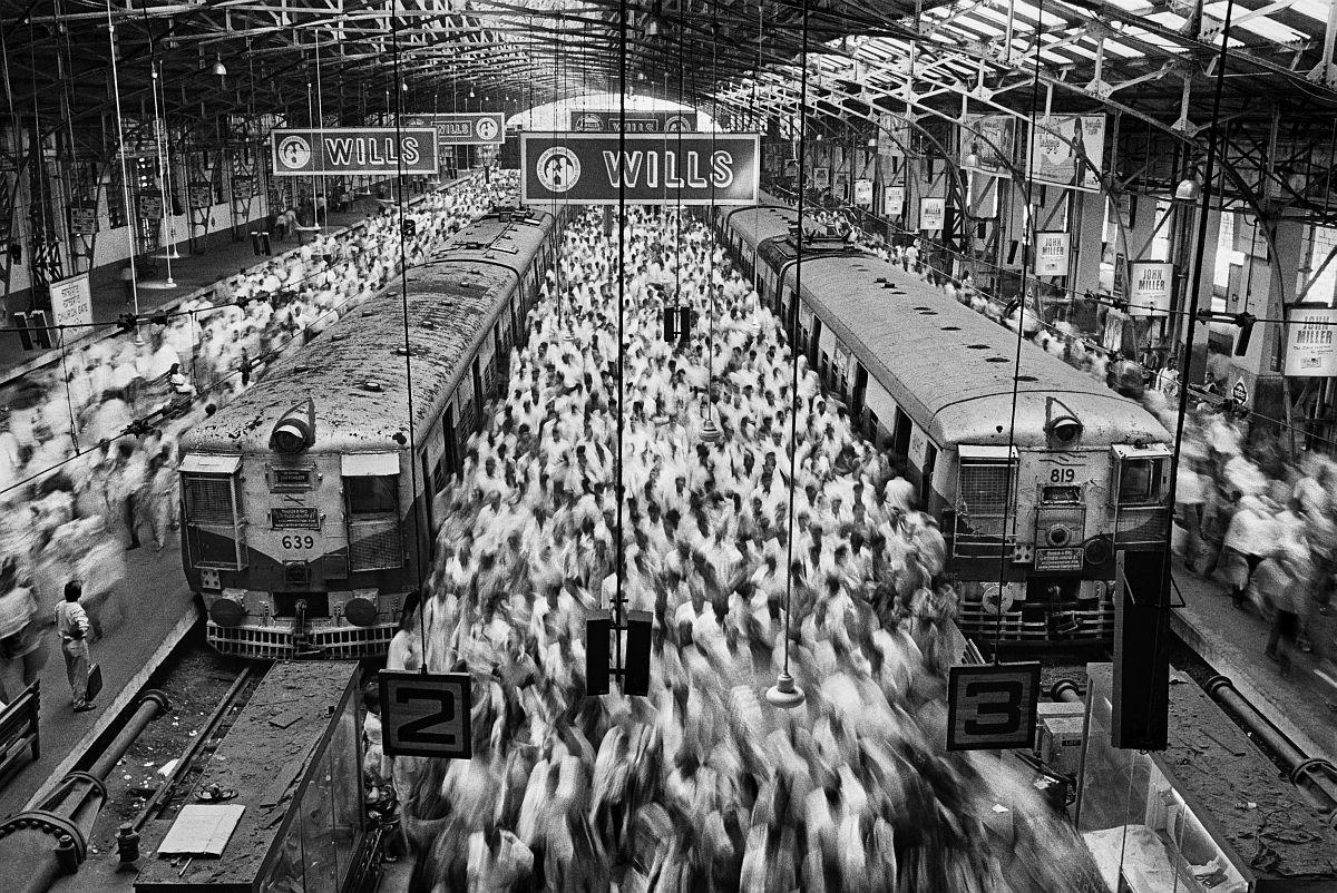 Bombay (Mumbai), 1995 © Sebastião Salgado