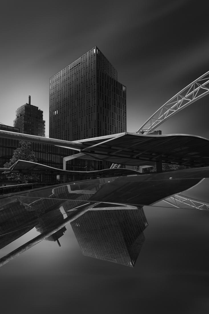 © Peter Schroyens: Serenity - Alien Cities / MonoVisions Photography Awards 2020 winner