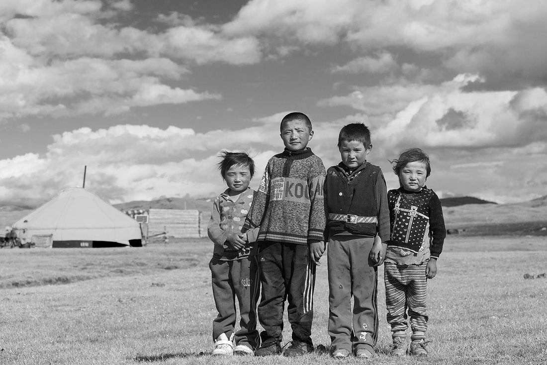© Kevin Shi: Five Years Apart - A Boy's Grow Up in Western Mongolia / MonoVisions Photography Awards 2020 winner