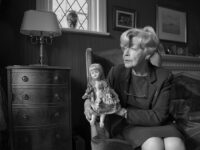 Nina Borowsky: 'Girls and Dolls' (Isolation)