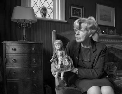 Nina Borowsky: 'Girls and Dolls' (Isolation)