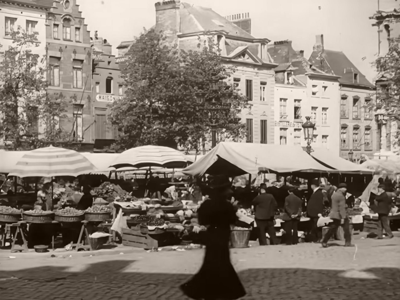 Vintage: Historic B&W photos of Brussels in 1908