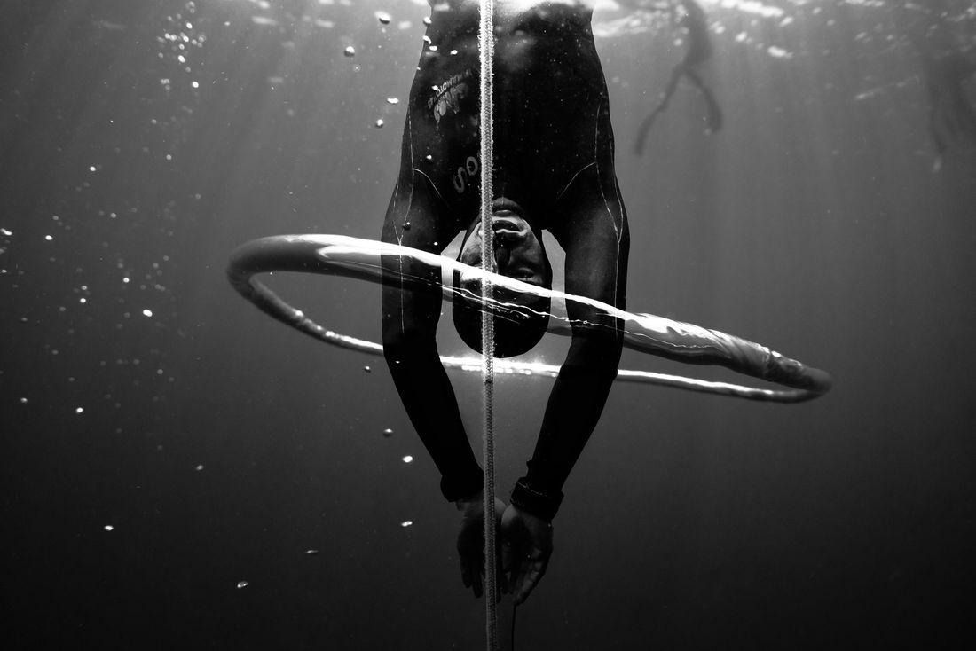 Kohei Ueno - In my own bubble, BLACK & WHITE PHOTO OF THE YEAR 2021 Award