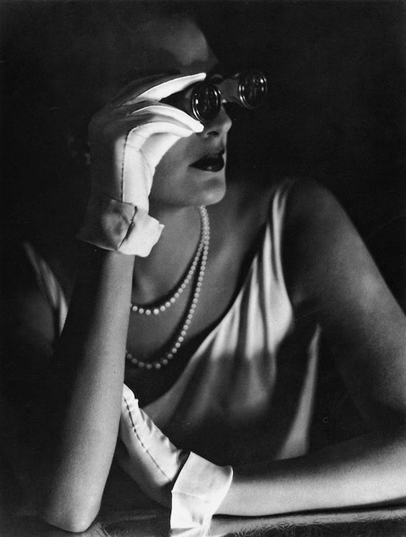 George Hoyningen-Huene: Evening Gloves, 1931 © George Hoyningen-Huene Estate Archives